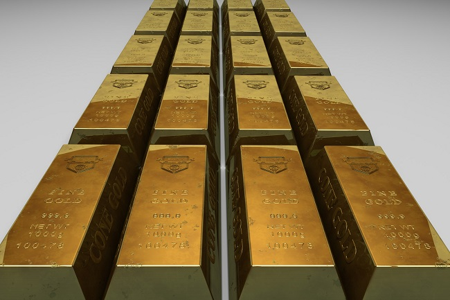 Gold is expected to slide further south this quarter; the firming US dollar and the strengthening negative correlation between gold and the USD will exert downside pressure to the precious metal.