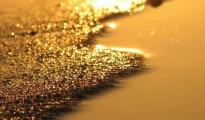 Gold gains amid Black Sea Ukraine